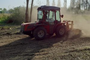 Attrezzature per arieggiatura tappeti erbosi